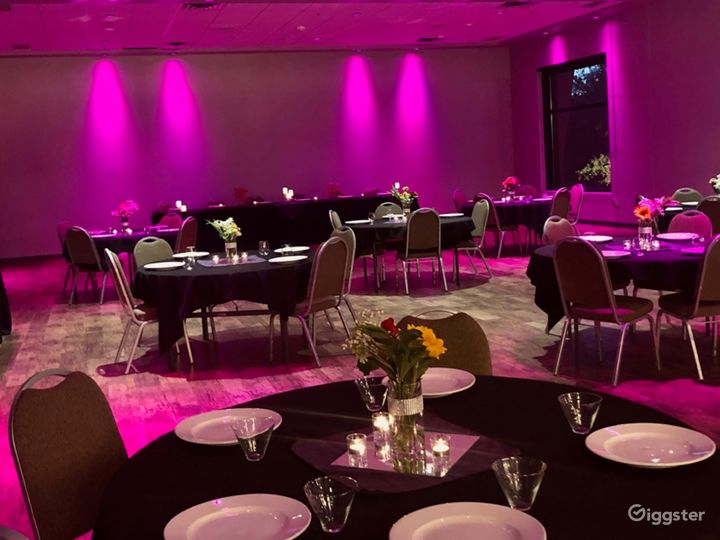 Fully Equipped Banquet Room in Bloomington Photo 3