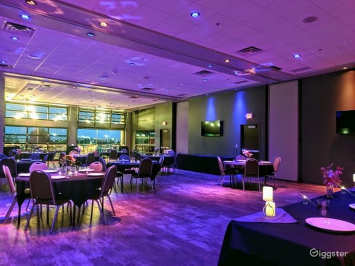 Fully Equipped Banquet Room in Bloomington Photo 4