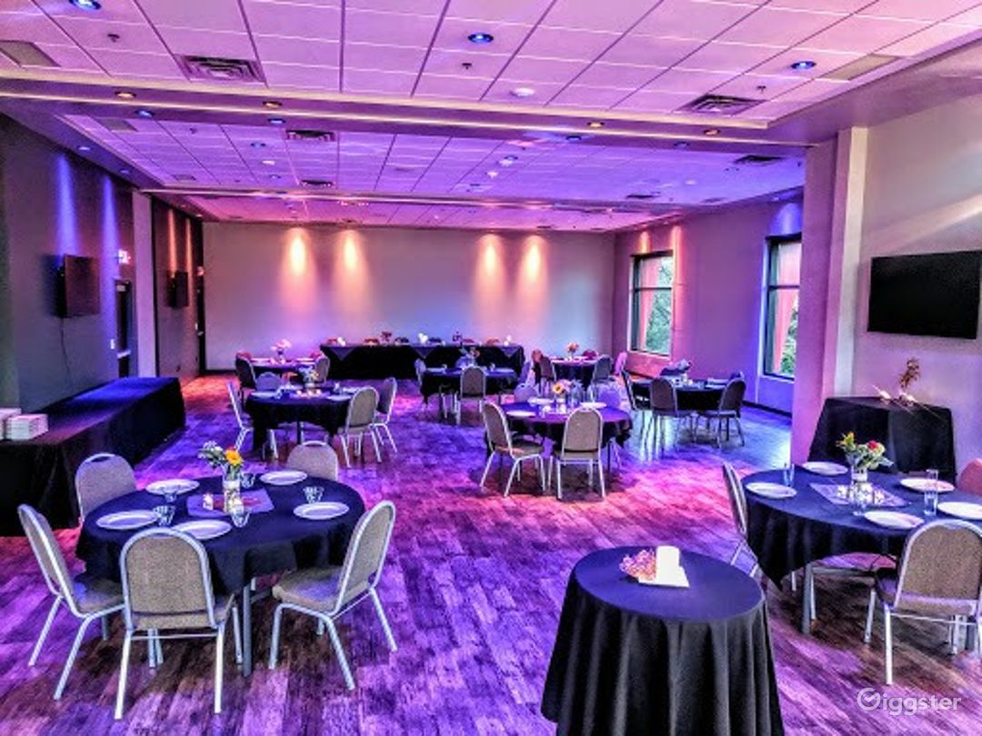 Fully Equipped Banquet Room in Bloomington Photo 1