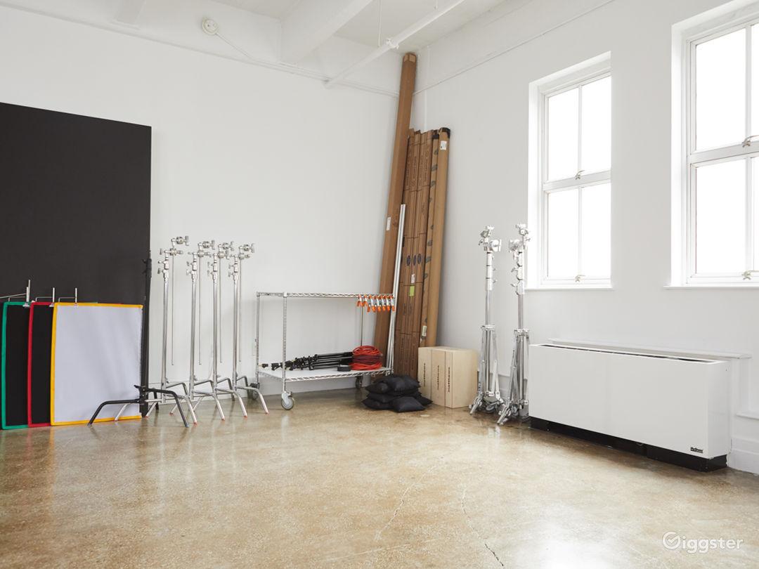Photo Studio - big windows 1,200 sq ft Photo 3