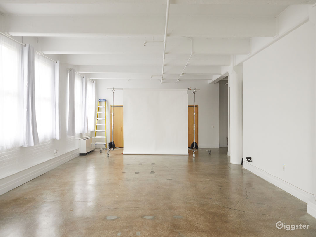 Photo Studio - big windows 1,200 sq ft Photo 4