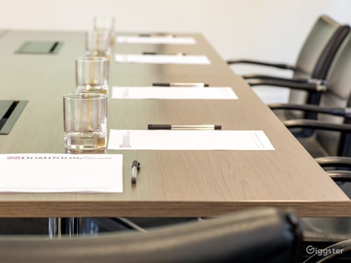 Light and Airy Boardroom on Tottenham Court Road Photo 4