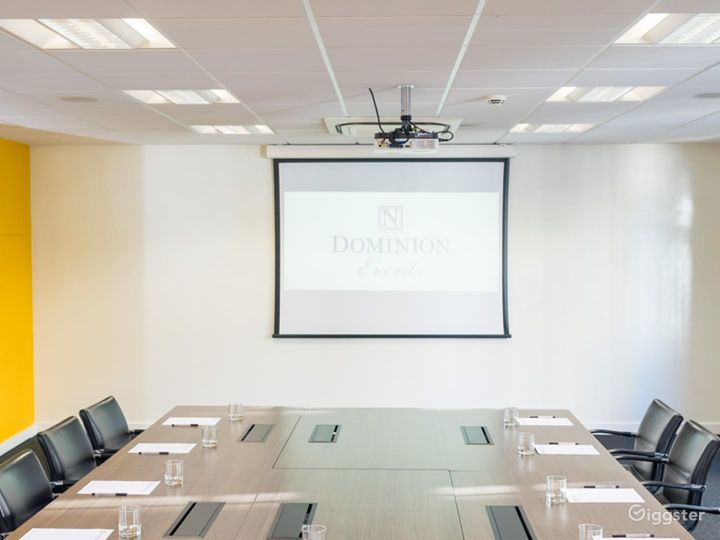 Light and Airy Boardroom on Tottenham Court Road Photo 3