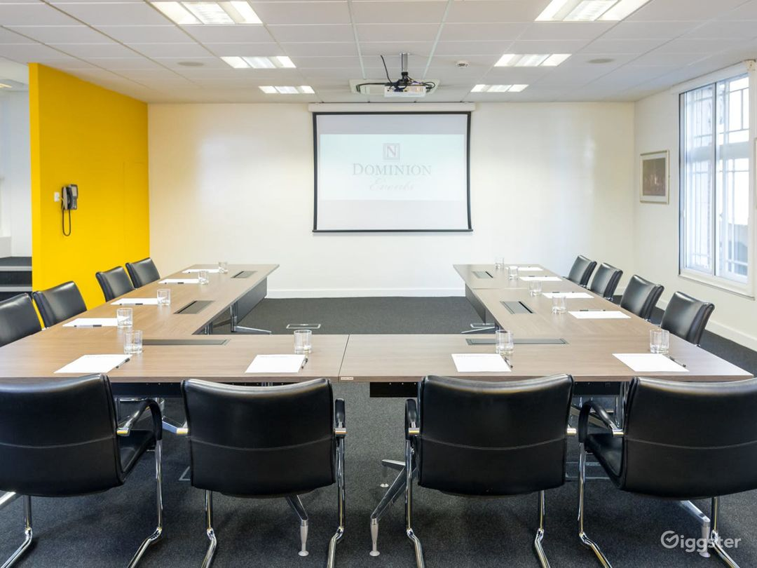 Light and Airy Boardroom on Tottenham Court Road Photo 1