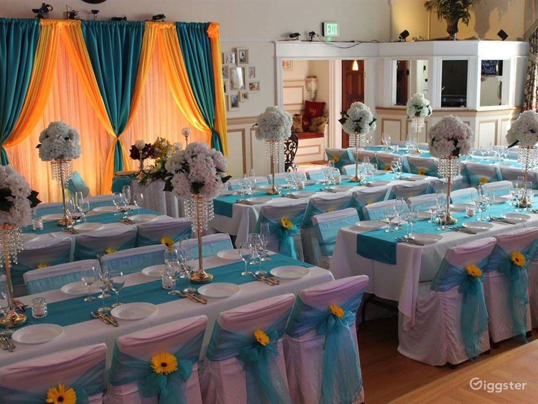 Elegant Banquet Ballroom for any Events Photo 1
