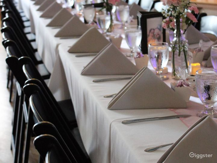 Elegant Banquet Ballroom for any Events Photo 2