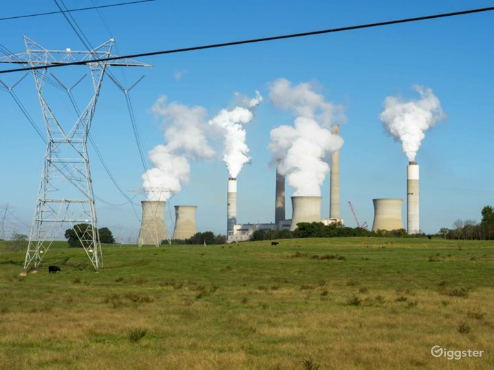Coal-Fueled Power Plant Photo 3