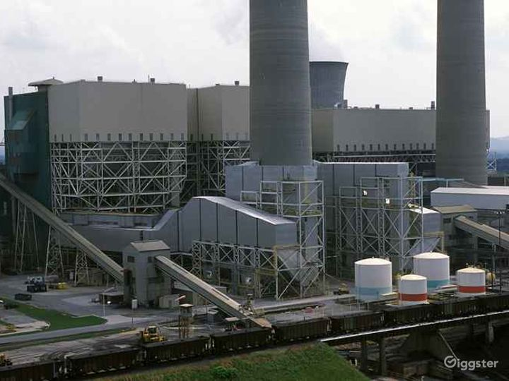 Coal-Fueled Power Plant Photo 4