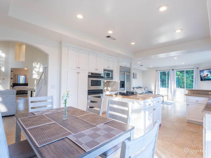 6 bedrooms Malibu house with huge back yard  Photo 2