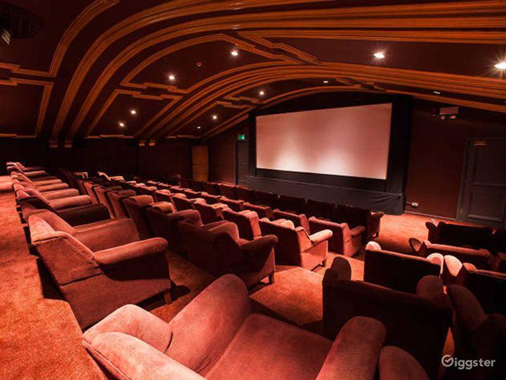 Beautiful Auditorium in London Photo 3