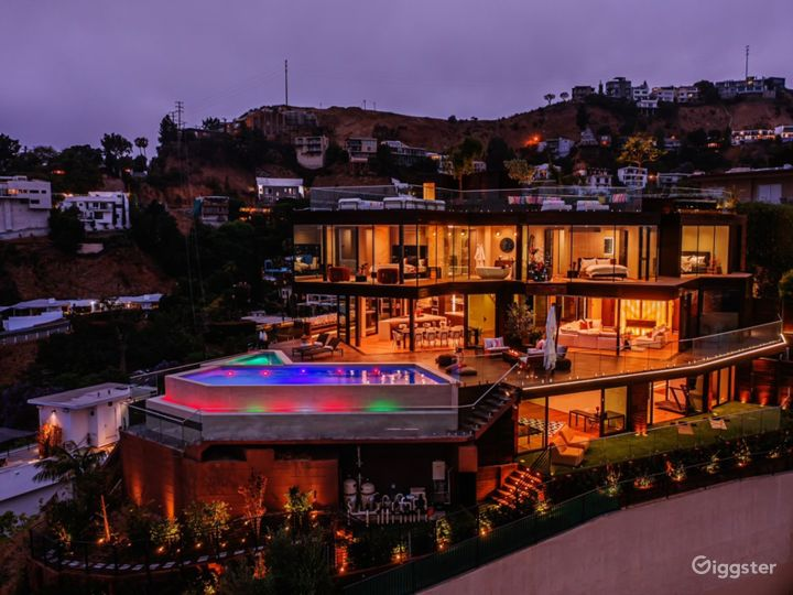 New construction in Hollywood Hills with best view Photo 2