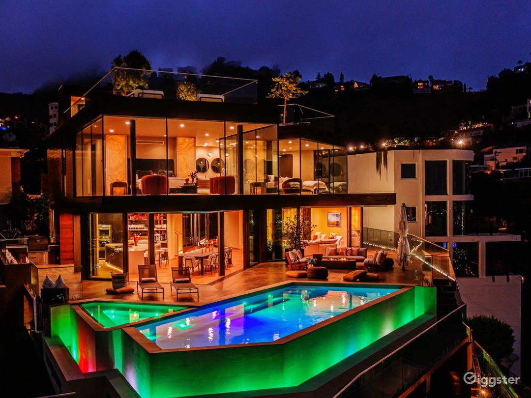 New construction in Hollywood Hills with best view Photo 1