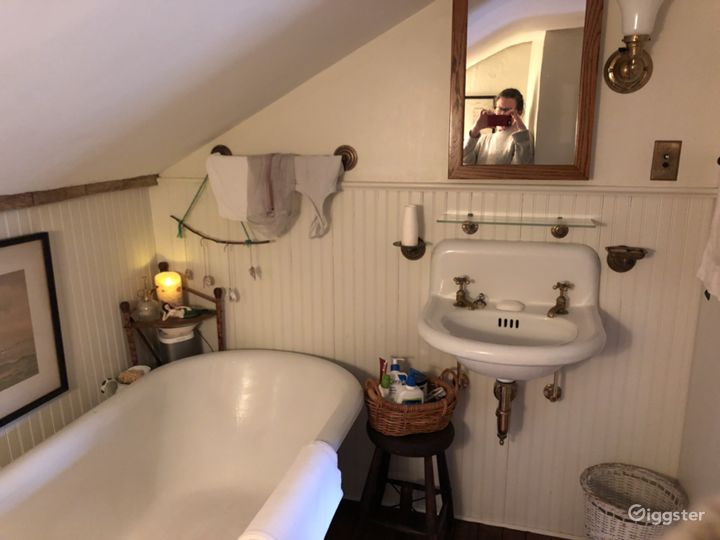 1910 Bathroom US (8' x 6')