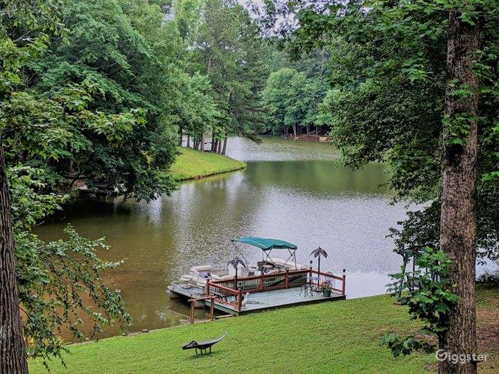 Views of the River from Home - Exterior Photo 4