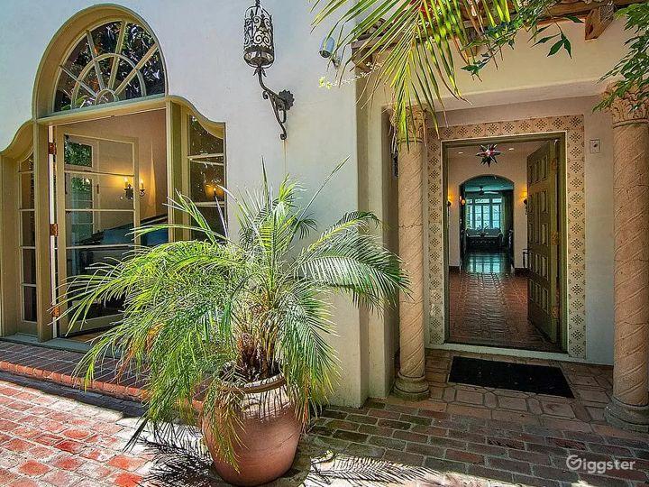 Private Bohemian Villa Photo 4