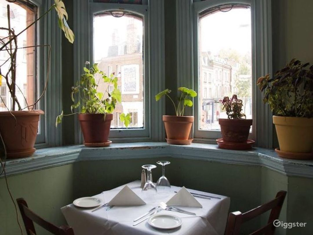 Relaxing French Restaurant  in London (Second Flr) Photo 1