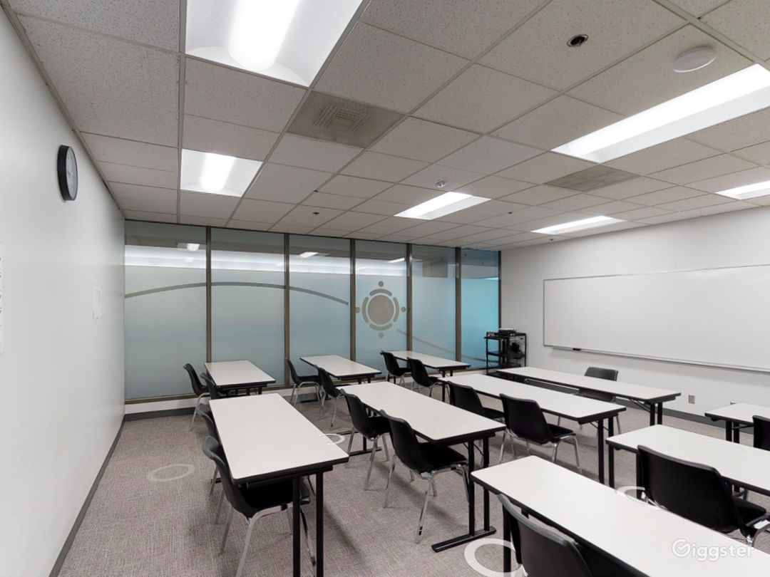 Spacious and Well-Equipped Classroom in Portland Photo 1