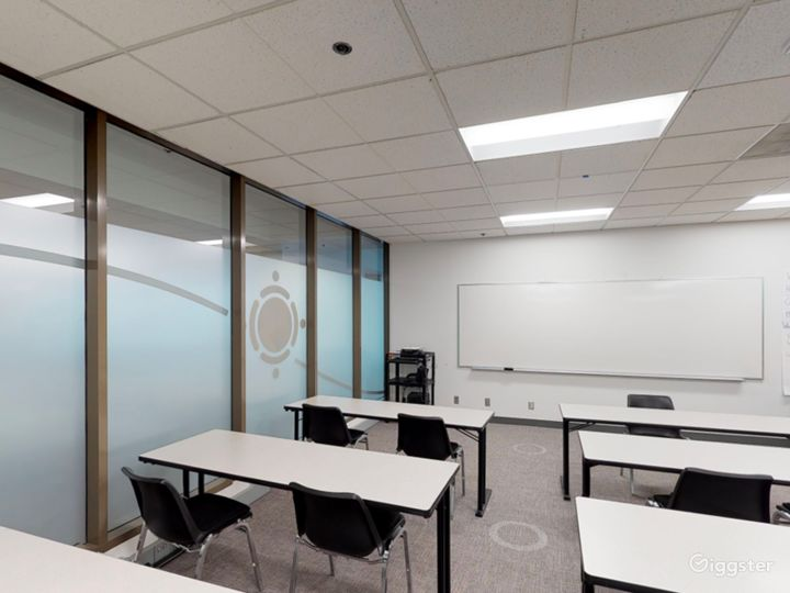 Spacious and Well-Equipped Classroom in Portland Photo 3