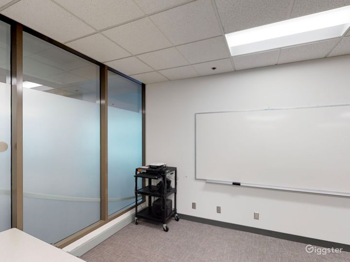Spacious and Well-Equipped Classroom in Portland Photo 5