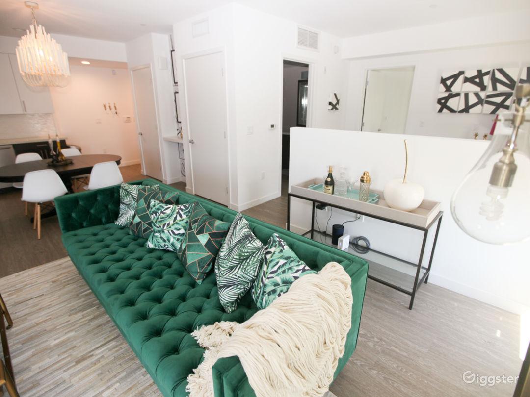 Incredible Designer Penthouse Condo Photo 3