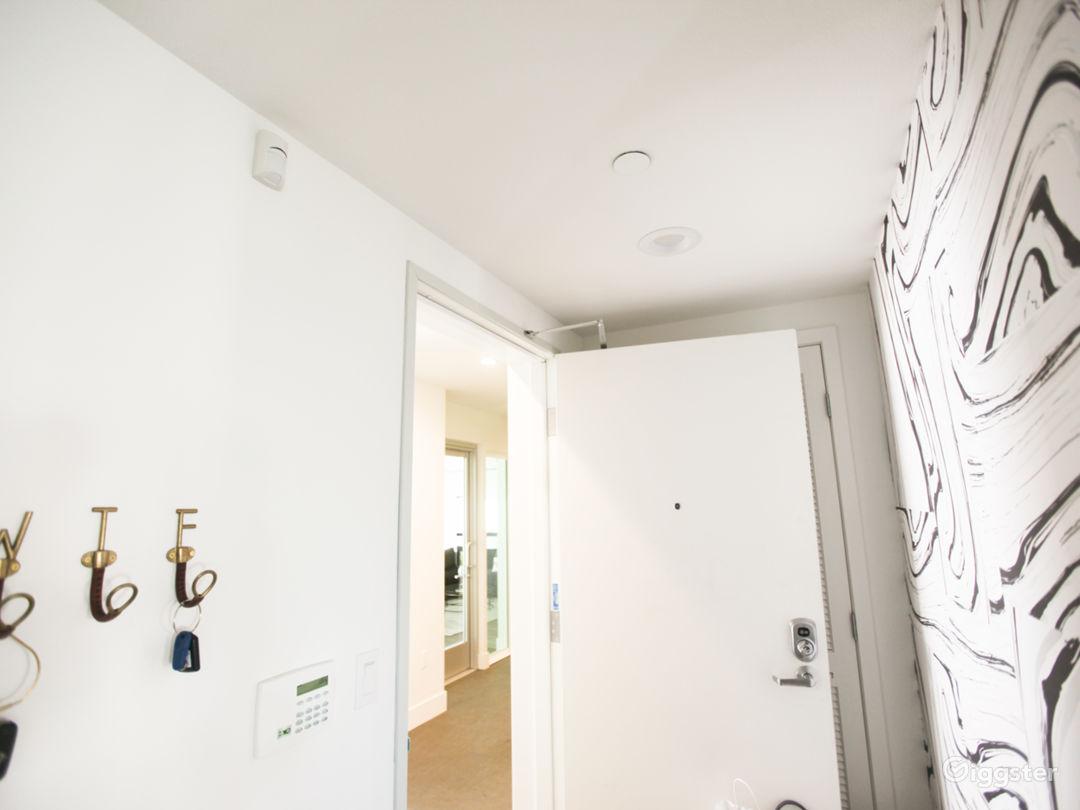 Incredible Designer Penthouse Condo Photo 5