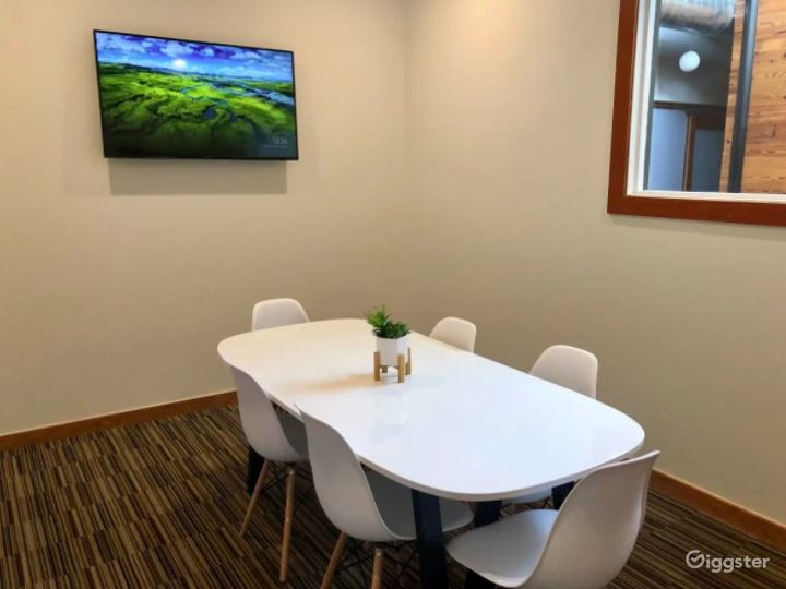 Beautiful Mid Sized Conference Room Downtown Austin on 6th Street Photo 2