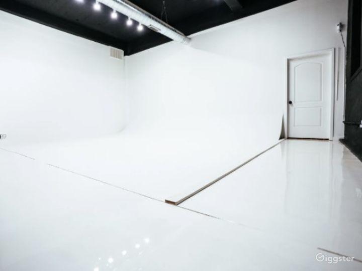 Natural Light Photo / Video Studio with Cyc Wall & RGB Lights Photo 5