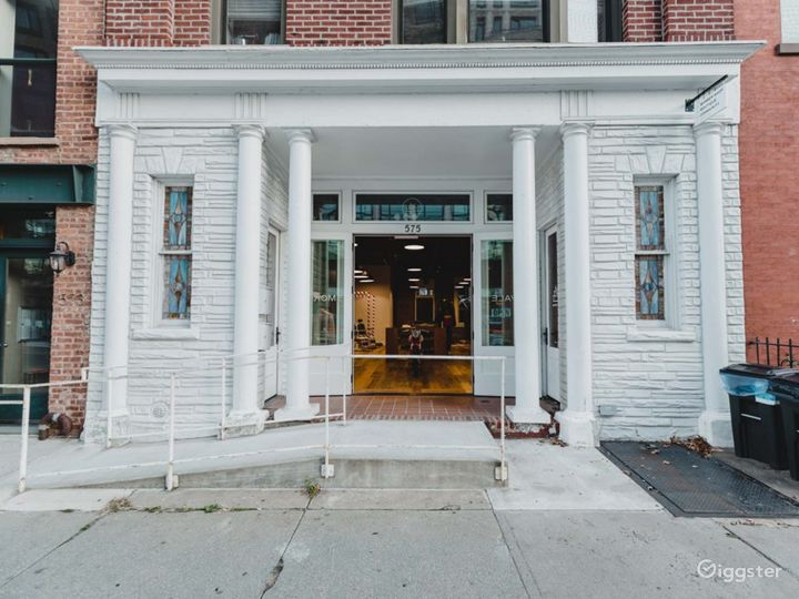 Serene vibe Concept Store, Gallery and Barbershop in Brooklyn Photo 3