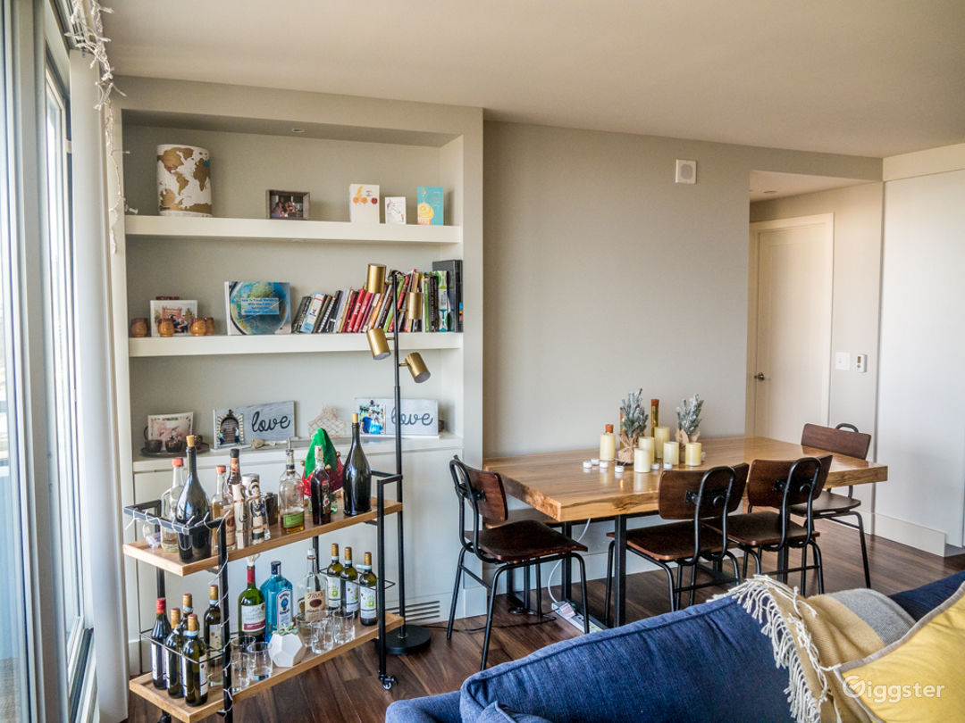 Dining room with built in bookshelf