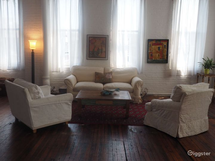 Large Studio with Shooting Bathroom in Brooklyn-4000 Sq Ft Photo 3