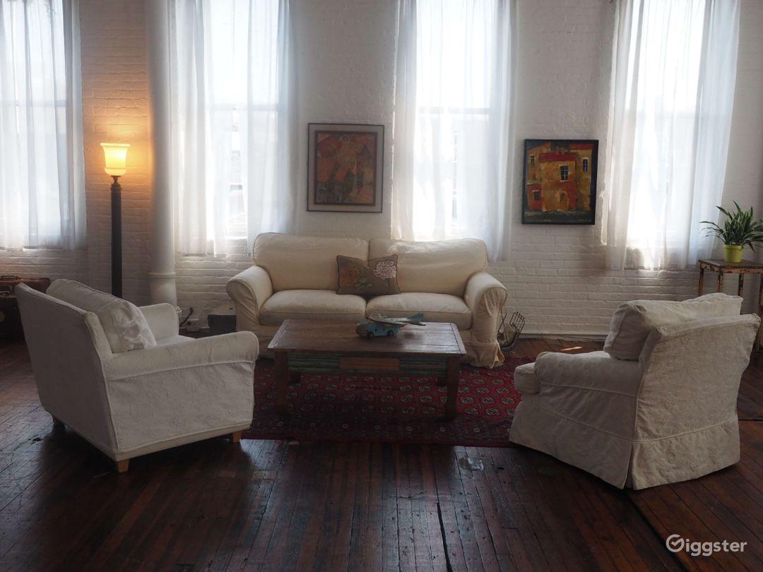 Large Studio with Shooting Bathroom in Brooklyn-4000 Sq Ft Photo 3