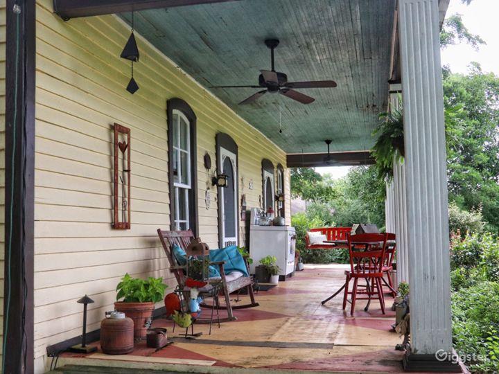 Restored 1800 Farmhouse Near Nashville Photo 4