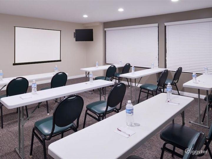 Elegant Meeting Room in LA Photo 2