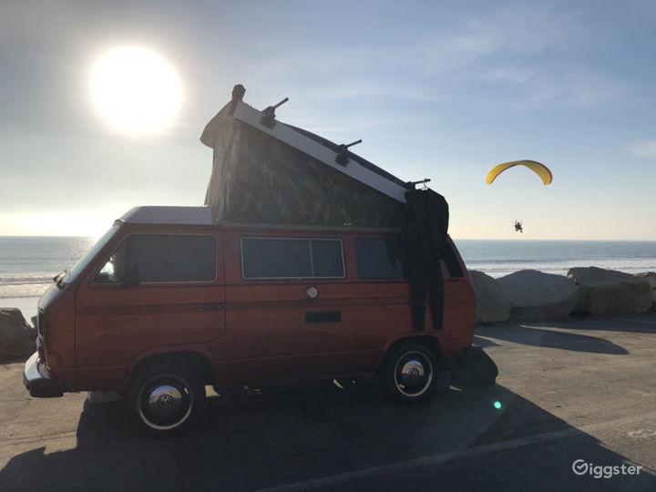 Unique Classic Poptop Hipster Van Photo 3