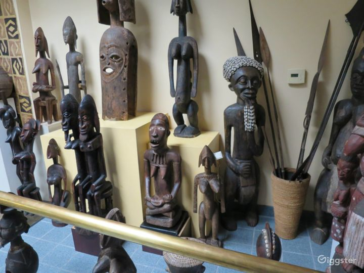African Gallery Perfect for Small Events and Filming Photo 3