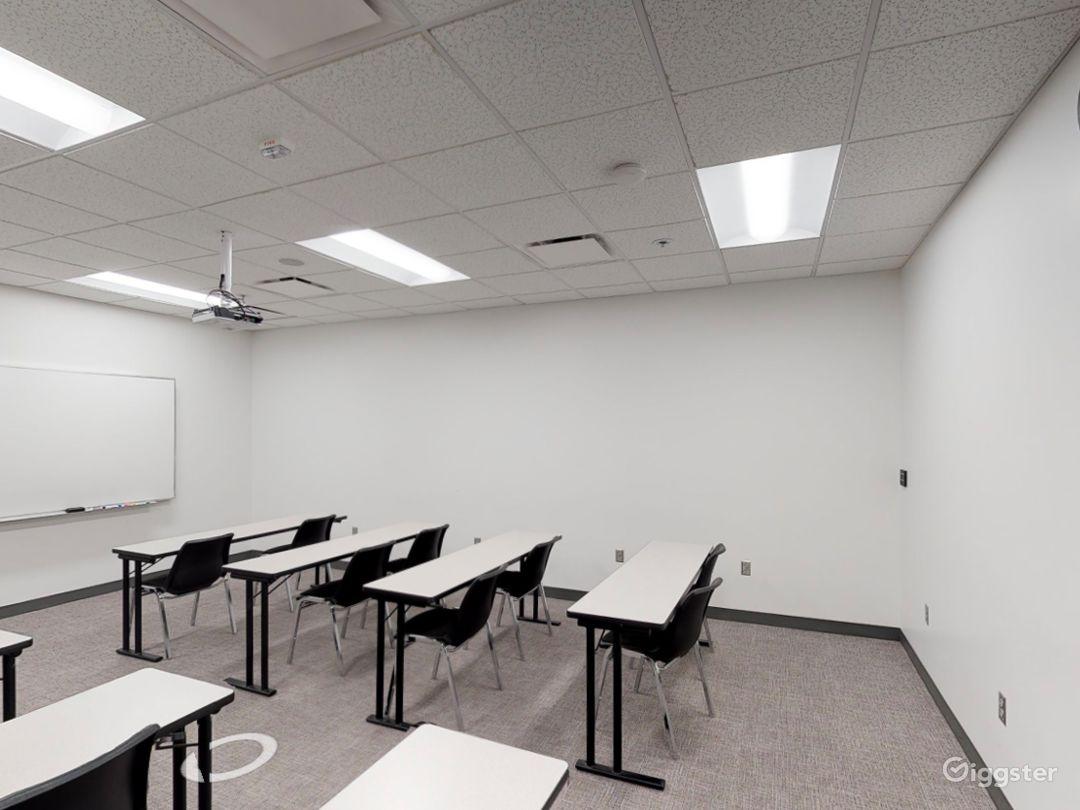 Contemporary Classroom in Portland Photo 1