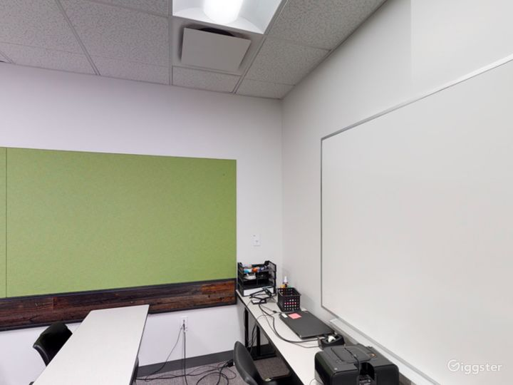 Contemporary Classroom in Portland Photo 5