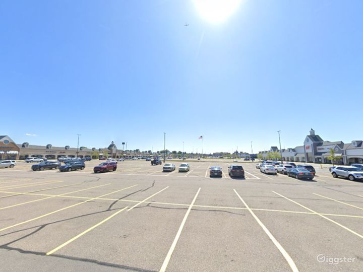 Spacious Parking Lot in Howell Photo 2