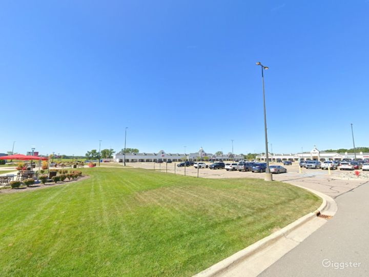Spacious Parking Lot in Howell Photo 5