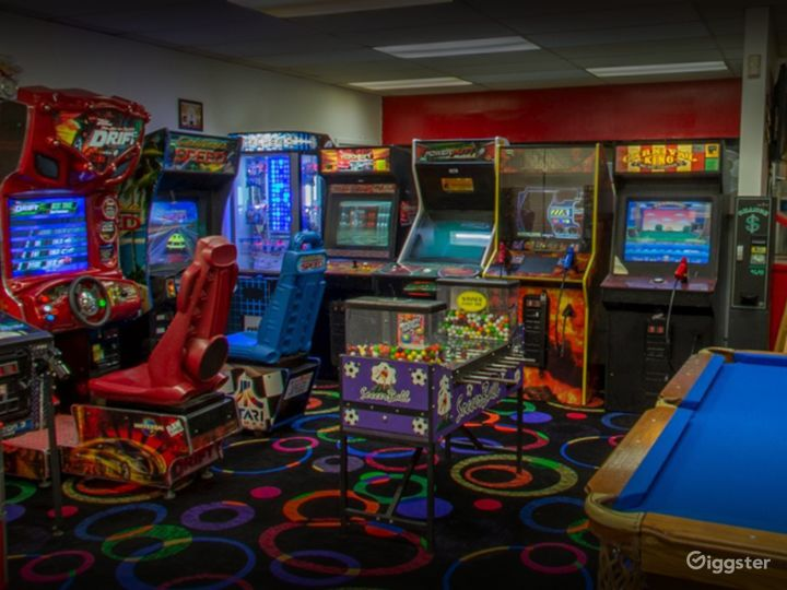 Arcade with Pool Table for Events in Tucson Photo 5