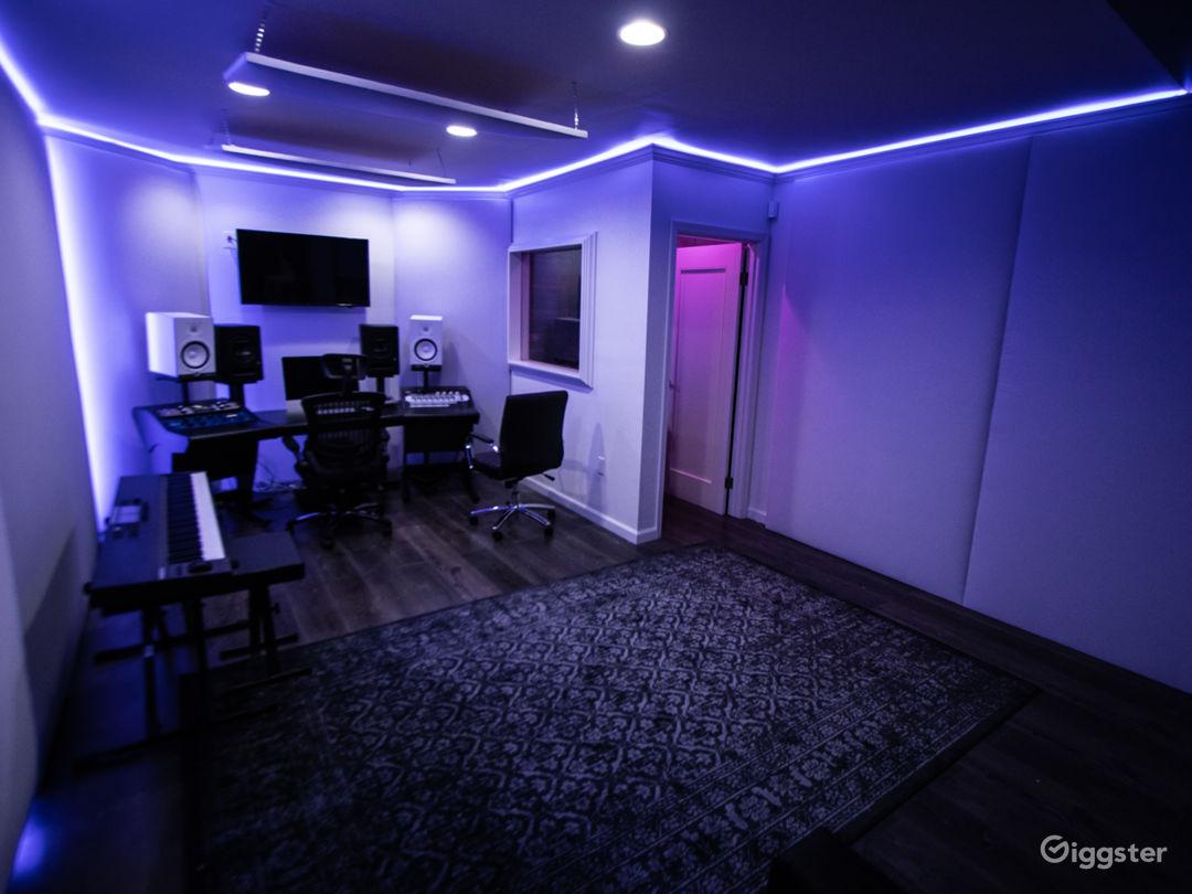 Fully Loaded Analog Hybrid Recording Studio Photo 2