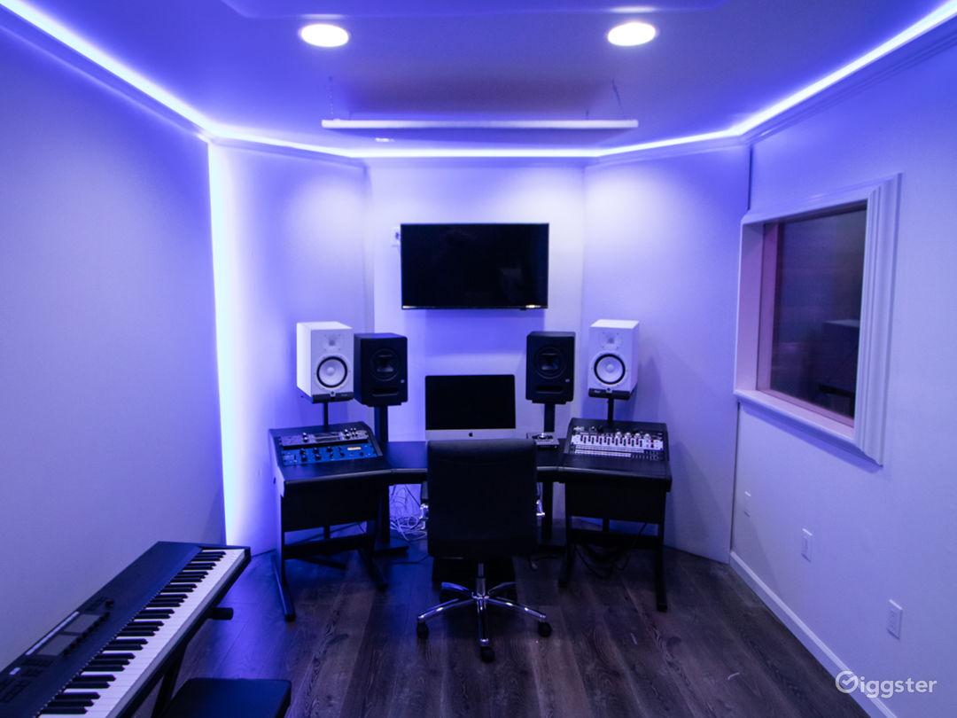 Fully Loaded Analog Hybrid Recording Studio Photo 1
