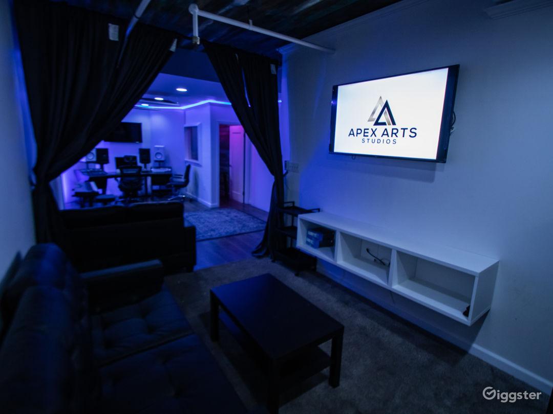 Fully Loaded Analog Hybrid Recording Studio Photo 3