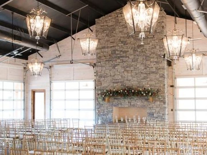 Rustic Venue with a Picturesque Meadow Backdrop  Photo 5