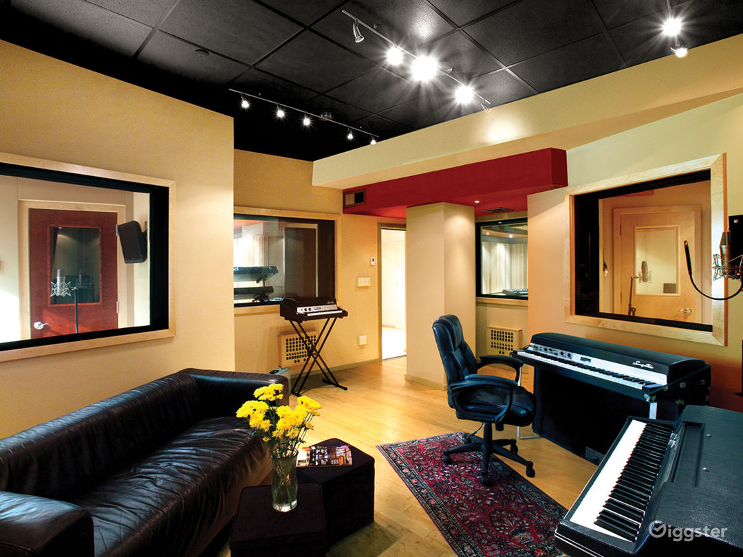 State of Art Recording Studio Control Room & Booth Photo 1