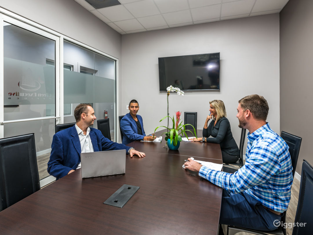 Conference Room for 15 in Hollywood Photo 1