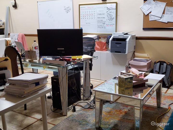 Contemporary small office in Montebello  Photo 5