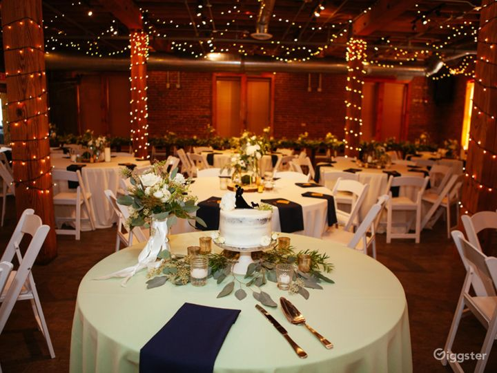 Ideal Space for Romantic Gathering in Noblesville Photo 4