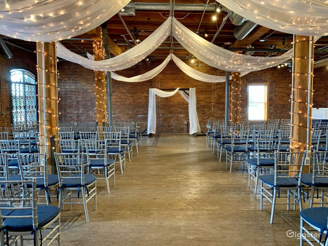 Ideal Space for Romantic Gathering in Noblesville Photo 1
