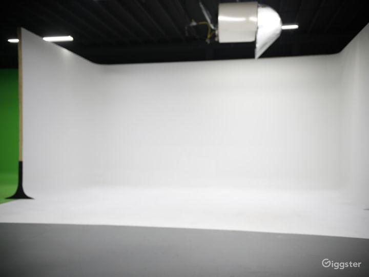 Film Studio Located in Downtown Atlanta Photo 3